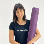 asana-tapete-yoga-yogateria-ameixa-1