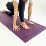 asana-tapete-yoga-yogateria-ameixa-3
