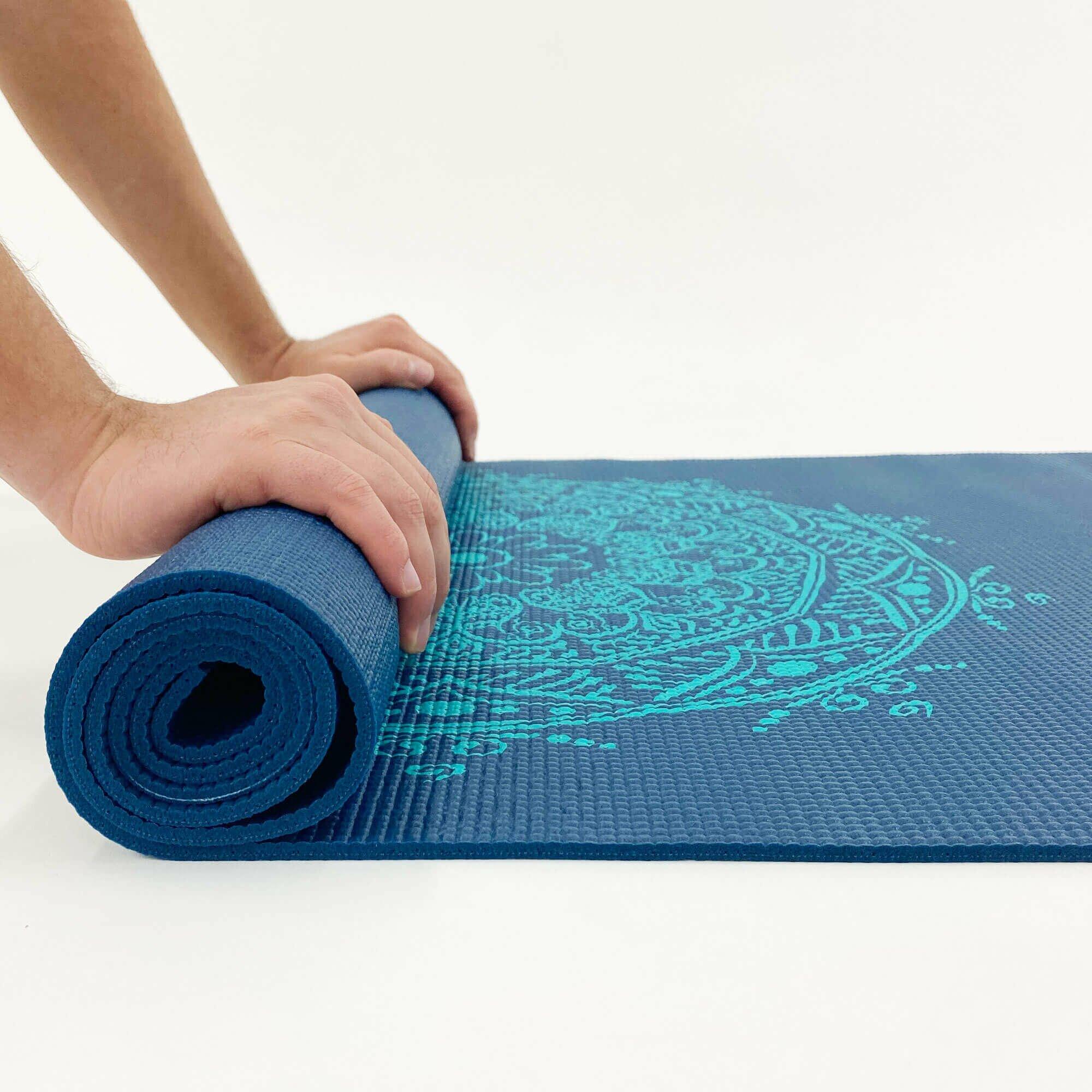 tapete-yoga-leela-mandala-yogateria-petroleo-turquesa-5