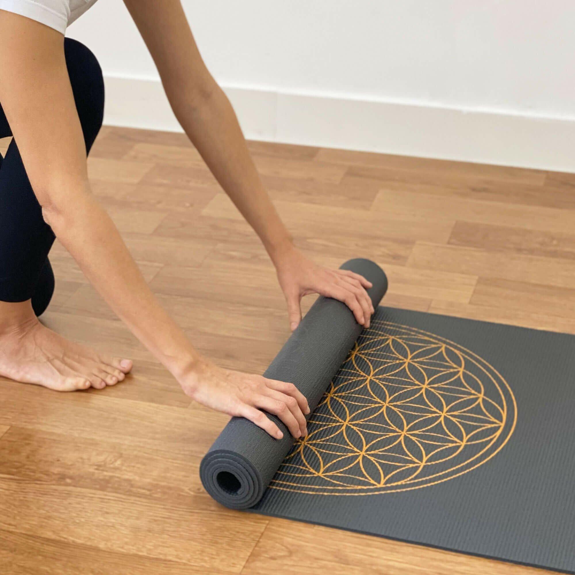 tapete-yoga-flordavida-yogateria-grafite-6