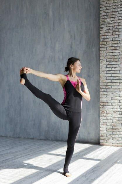 Yoga para iniciantes: As 30 melhores posturas de yoga 4