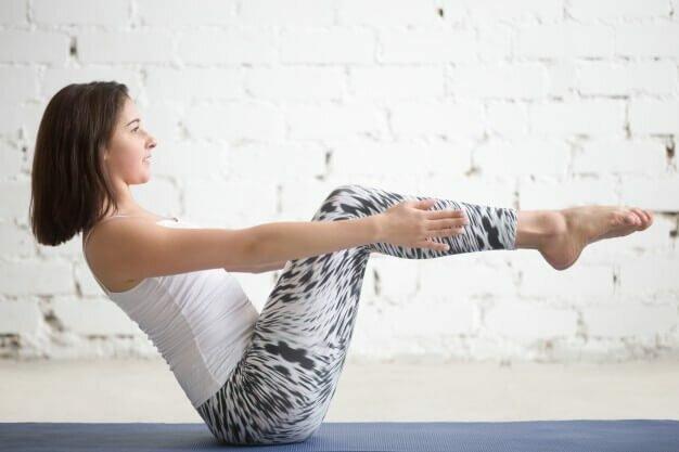 navasana-variação-yogateria
