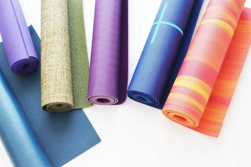 Como escolher um tapete de yoga em 3 passos 48