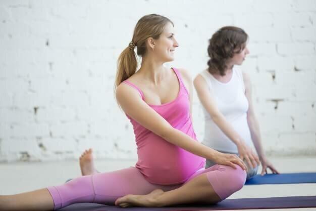 yoga-para-gestante-yogateria-3