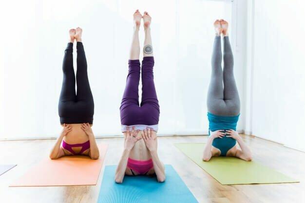 postura-vela-yogateria