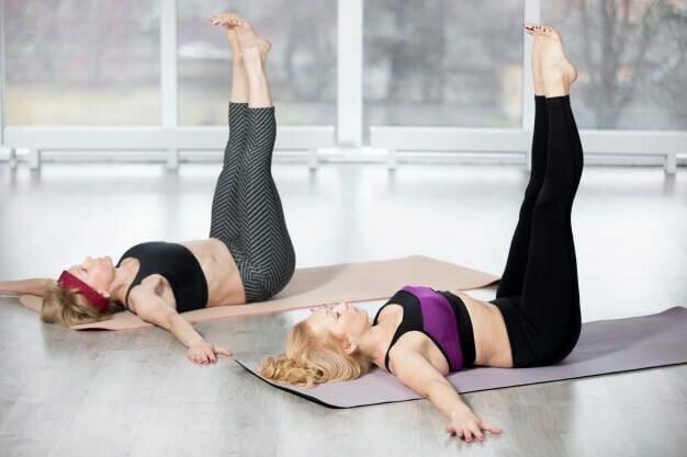Uttanpadasana - pernas-levantadas-yogateria