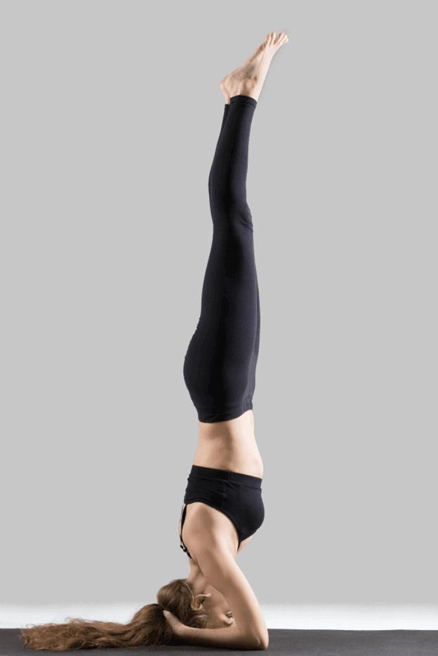 Shirshasana-invertida-sobre-cabeça-yogateria
