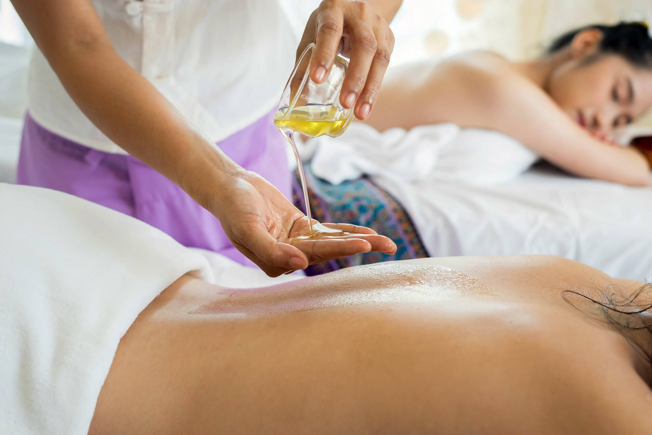 massagem-ayurvedica-yogateria