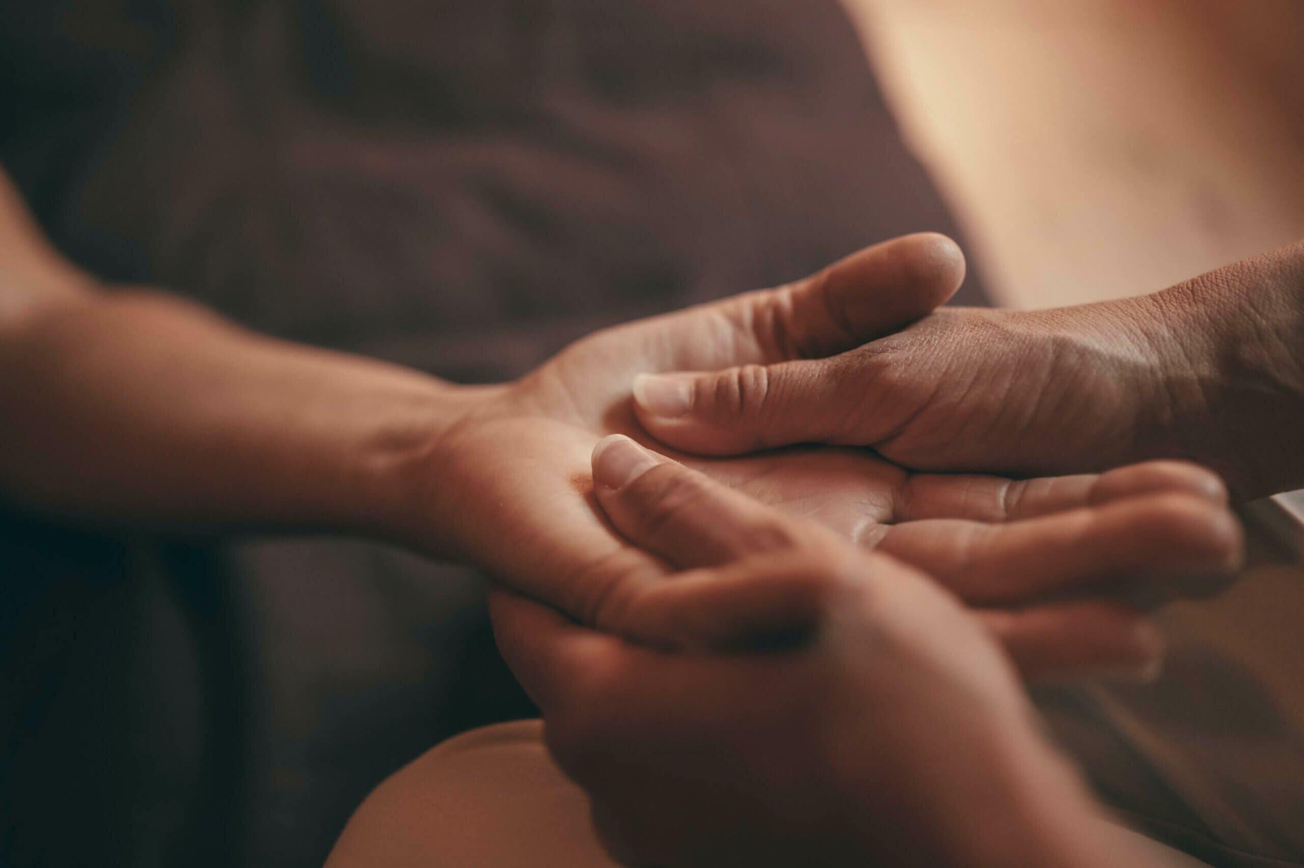 massagem-ayurvedica-yogateria3