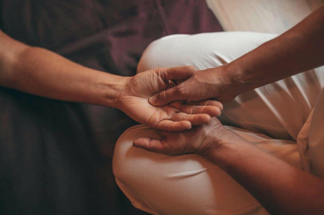 massagem-ayurvedica-yogateria6