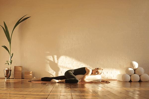 yoga-restaurativa-yogateria2