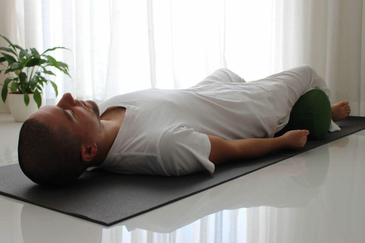 yoga-restaurativa-yogateria6