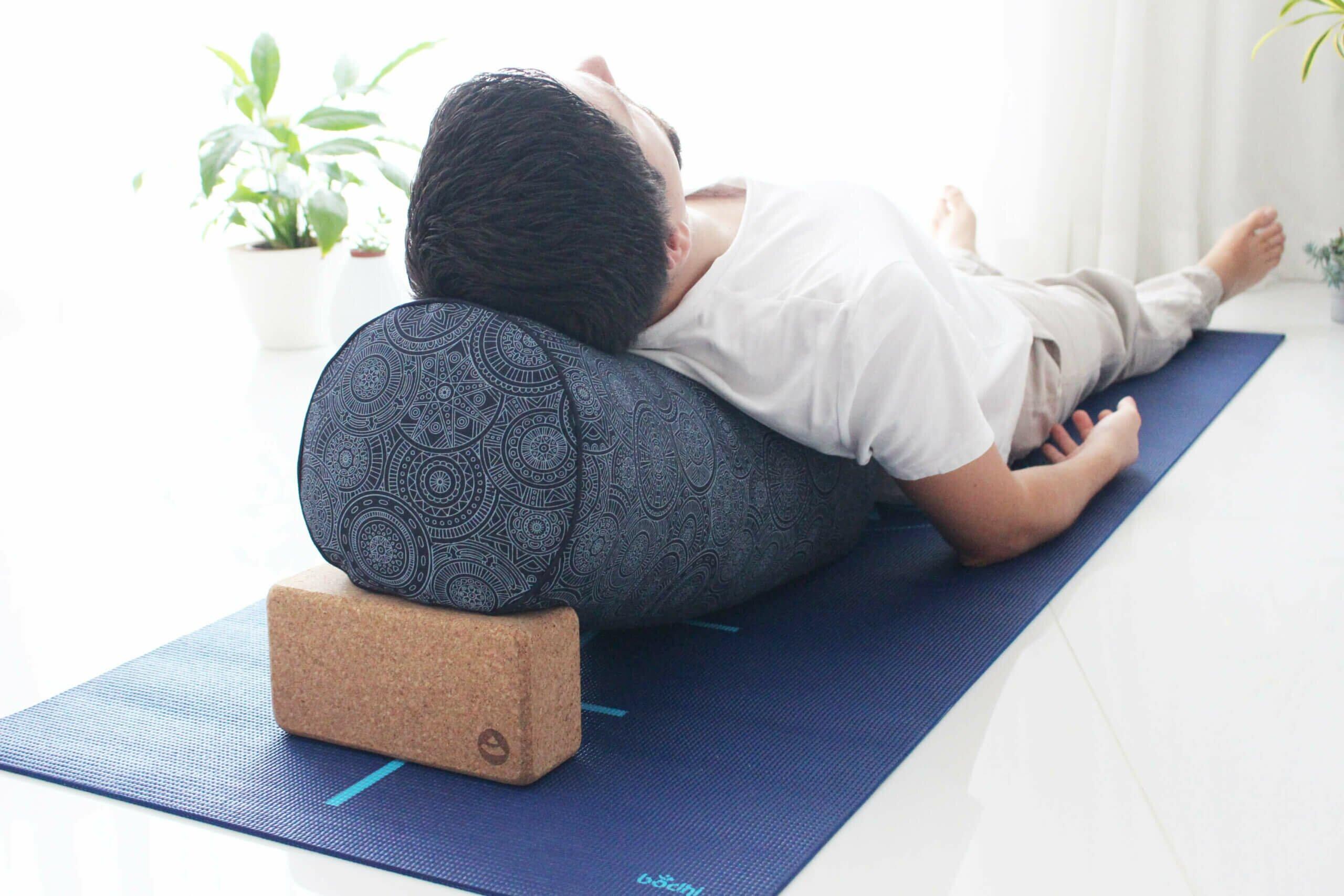 yoga-restaurativa-yogateria8