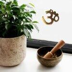 estatua-OM2-dourada-yogateria3